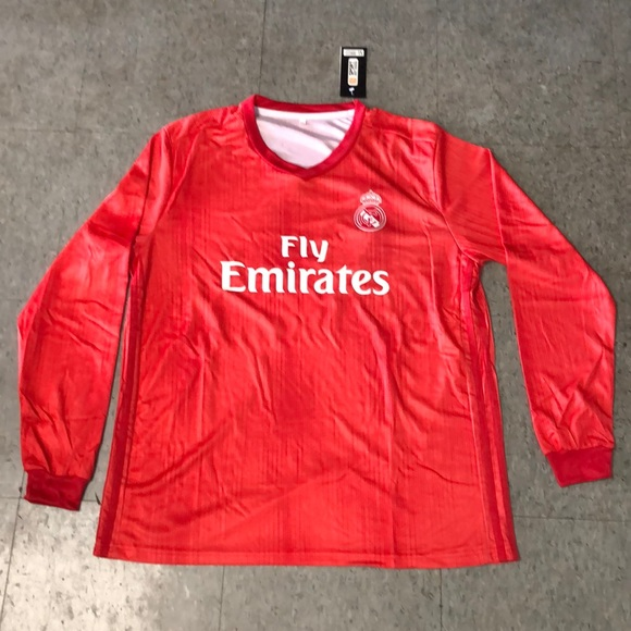 official photos 59445 6389d Real Madrid red long sleeve jersey size xlarge NWT